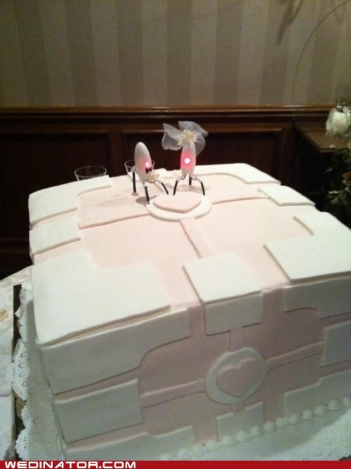 funny wedding photos,geek,Hall of Fame,Portal,robots,video games,wedding cake