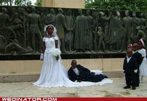 bride,funny wedding photos,groom,train,wedding dress