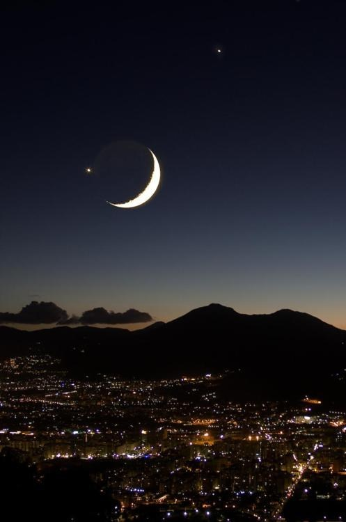 Italy,lights,moon,night,palermo,planets,sky