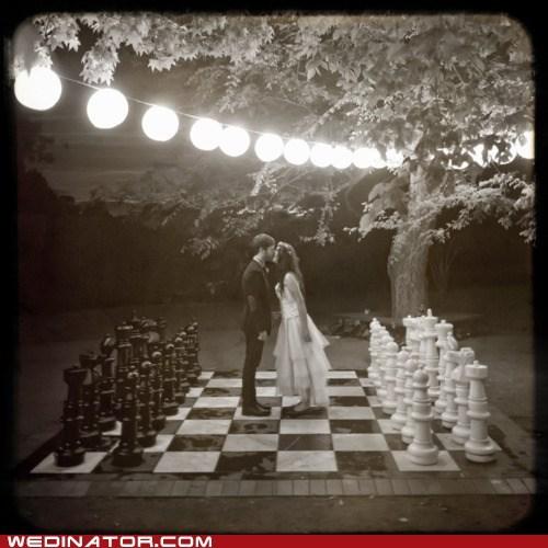 bride,chess,funny wedding photos,groom,KISS