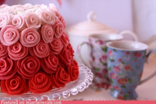 cake,epicute,frosting,gradient,pink,red,roses