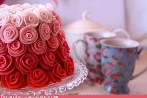Epicute: Fading Roses Cake