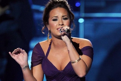 New Demi Lovato of the Day