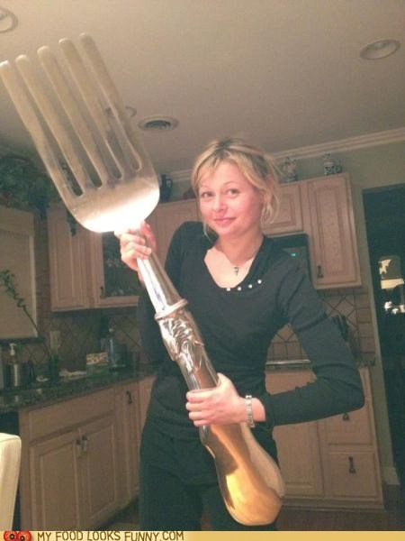 fork,giant,kitchen,woman