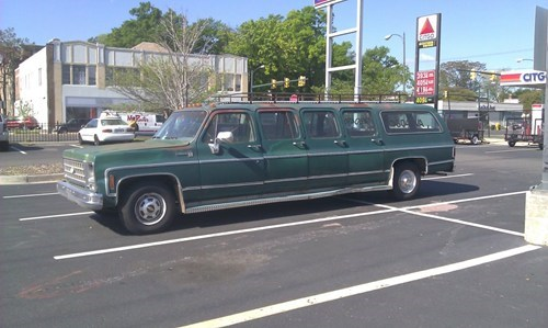The Redneck Stretch Limo Gets a Paintjob