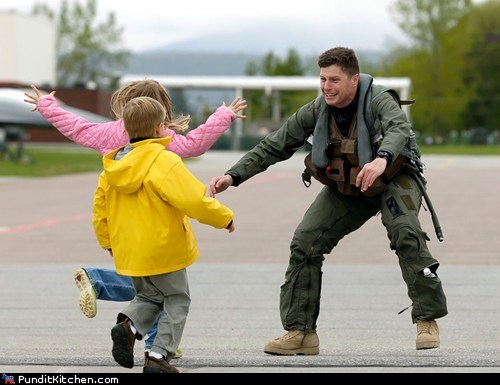 children,homecoming,kids,political pictures,soldiers