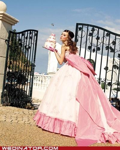 bride,cake,funny wedding photos,KISS
