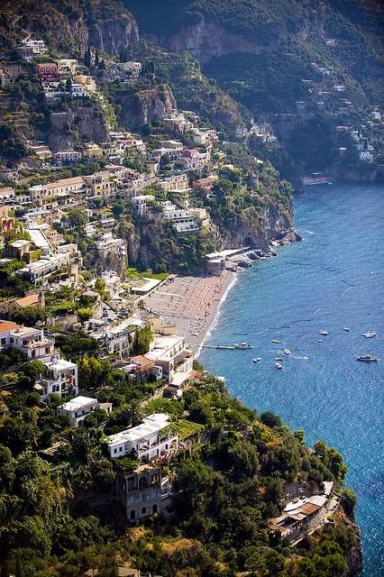 beach,cliff side,Italy,ocean,village