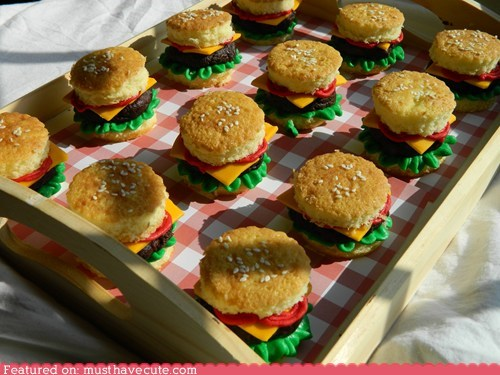 burgers,cupcakes,epicute,frosting,replicas,sweets