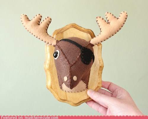 deer,eye patch,faux,felt,taxidermy,wood