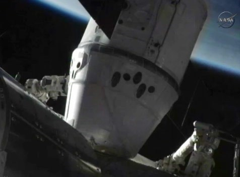 Follow Up of the Day: SpaceX Dragon Docks With International Space Station