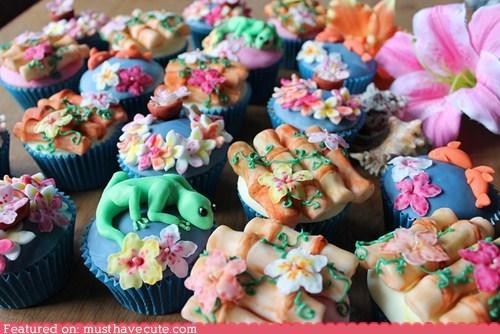 bamboo,cupcakes,epicute,flowers,fondant,lizards,Tropical