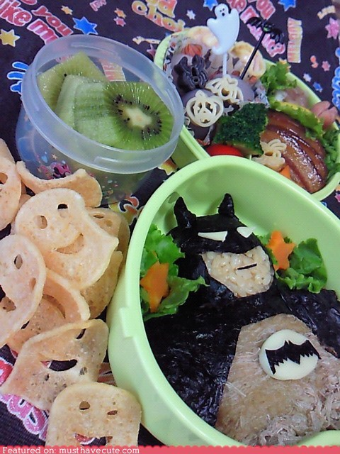 batman,bento,chips,epicute,lunch,meal,rice,smileys