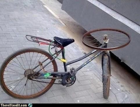 bicycle,handlebars,three wheels,tricycle