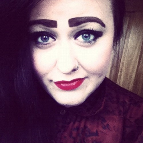 eyebrows,too much makeup