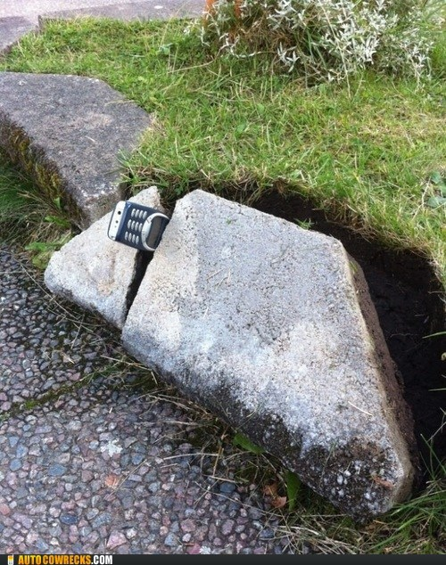 Autocowrecks: The Phone in the Stone!