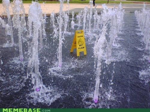 fountain,IRL,wet floor
