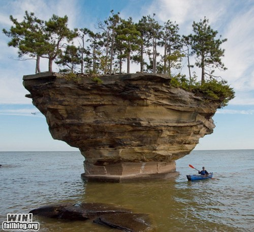 8 Unusual Rock Islets Around the World
