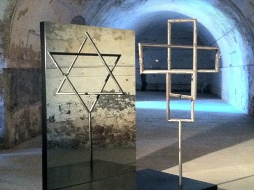 cross,sculpture,seeing is believing,star of david