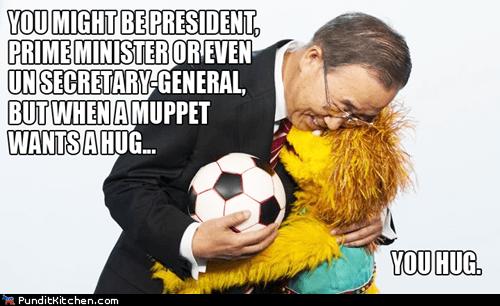 Ban Ki Moon,hug,muppet,secretary general of the UN,Sesame Street,Ban Ki-moon