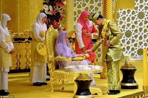 Sultan of Brunai Marries off His Daughter