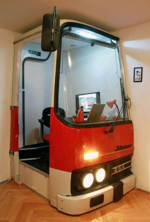 bus,bus office,hungary,metro bus