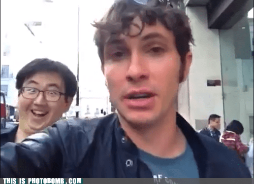 Photobombuscus