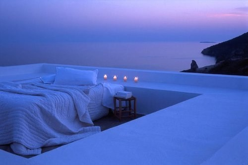A Romantic Rooftop Stay