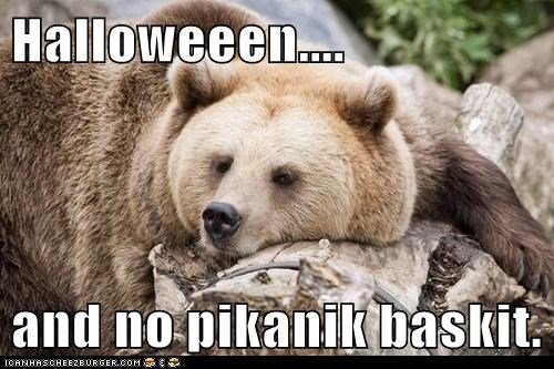 Halloweeen....  and no pikanik baskit.