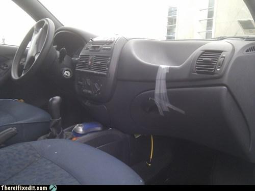 glove box,glove compartment