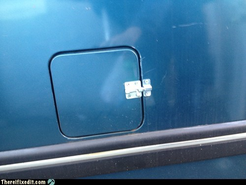 How to Keep the Gas Door Closed on Your Car