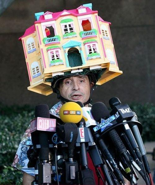 doll house,helmet,press conference,down hill