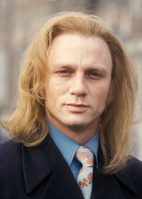 Daniel Craig in the '90s... DO NOT WANT