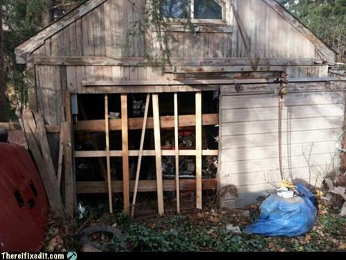 garage door,raccoons