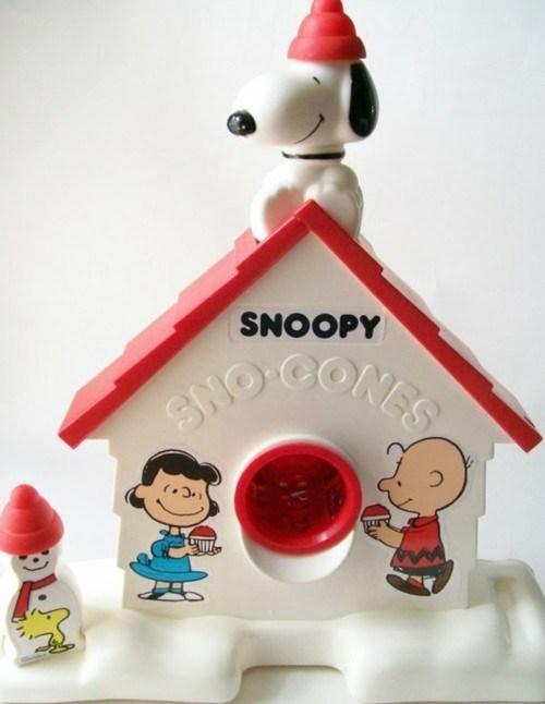 sno cones,nostalgia,snoopy,dog house,plastic,machine