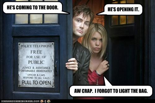 door,billie piper,poop,bag,rose tyler,David Tennant,the doctor,doctor who,prank,watching