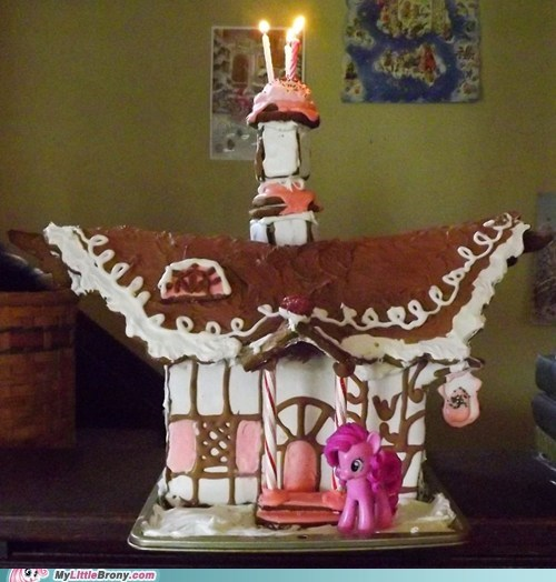 It's a Pinkie Pie Christmas