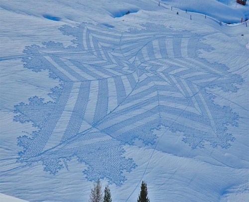 Simon Beck's Amazing Snow Art