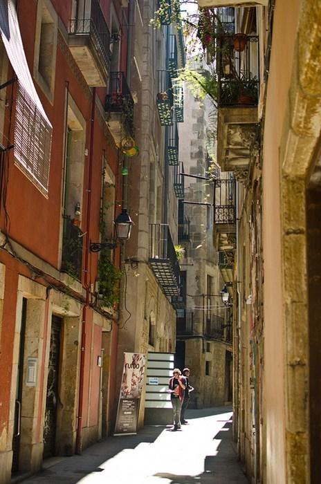 europe,Barcelona,alley,Spain,cityscape