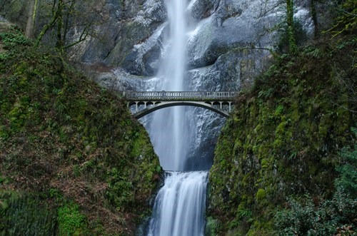 Crossing the Gap at Multnomah Falls
