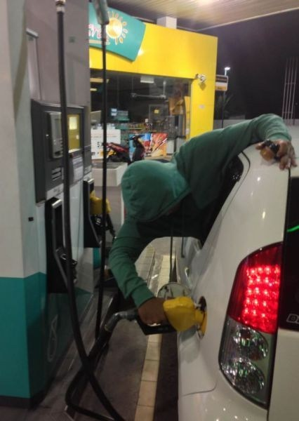 Lazy Gas Pumping FAIL