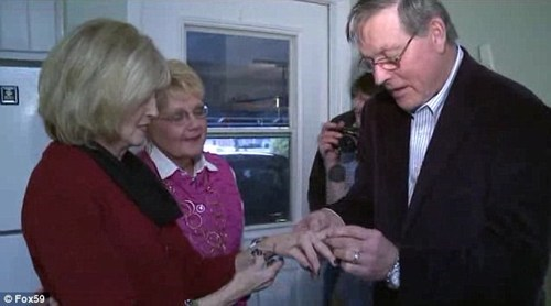 40 Years After it Was Lost, a Wedding Ring is Reunited With its Owner