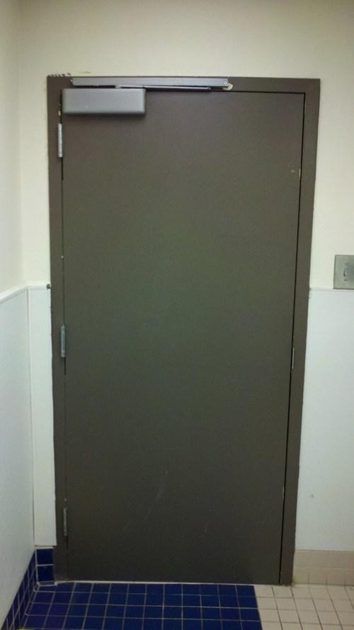 door,whoops,bathroom,handle
