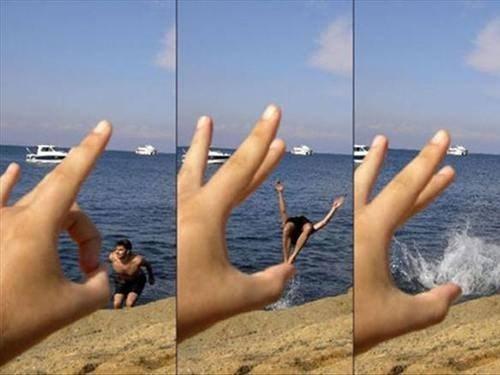 diving,photobomb,flick