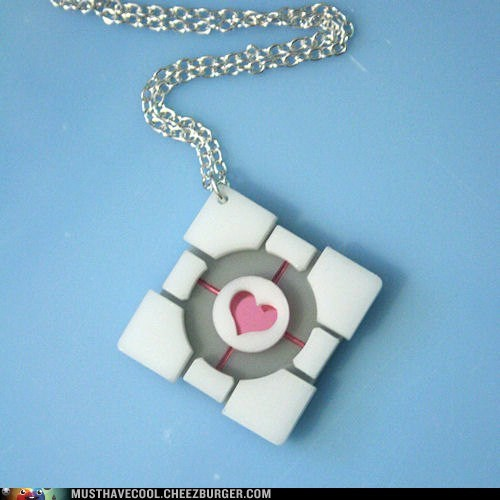 necklace,weighted comanion cube,Portal