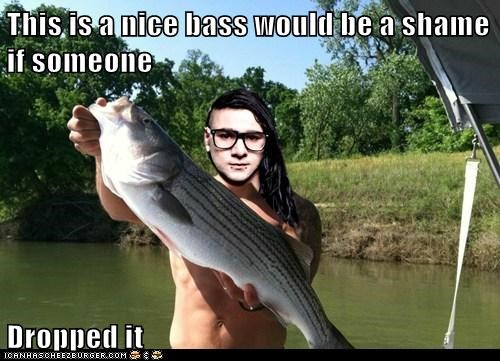 This is a nice bass would be a shame if someone  Dropped it