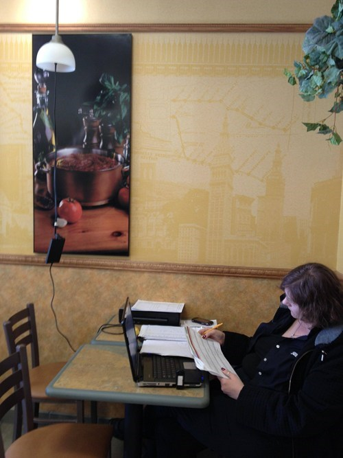 coffee shop,computers,power outlet