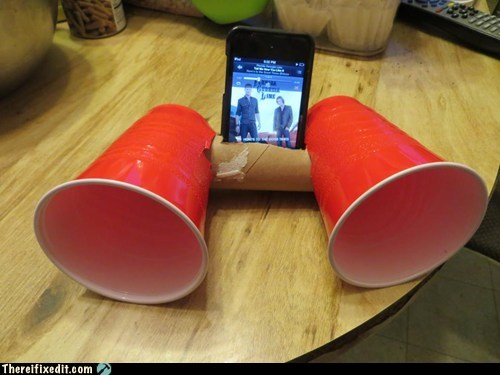 solo cups,ipod dock,iphone