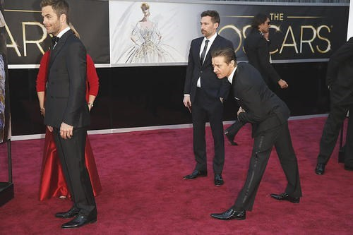 Jeremy renner,academy awards,oscars,chris pine