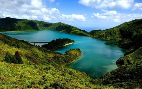 island,landscape,pretty colors,lake